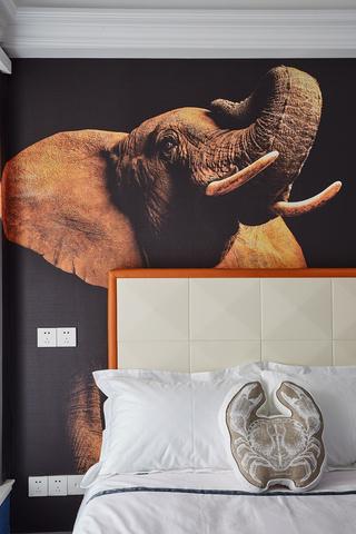 法式风格三居卧室背景墙装修效果图