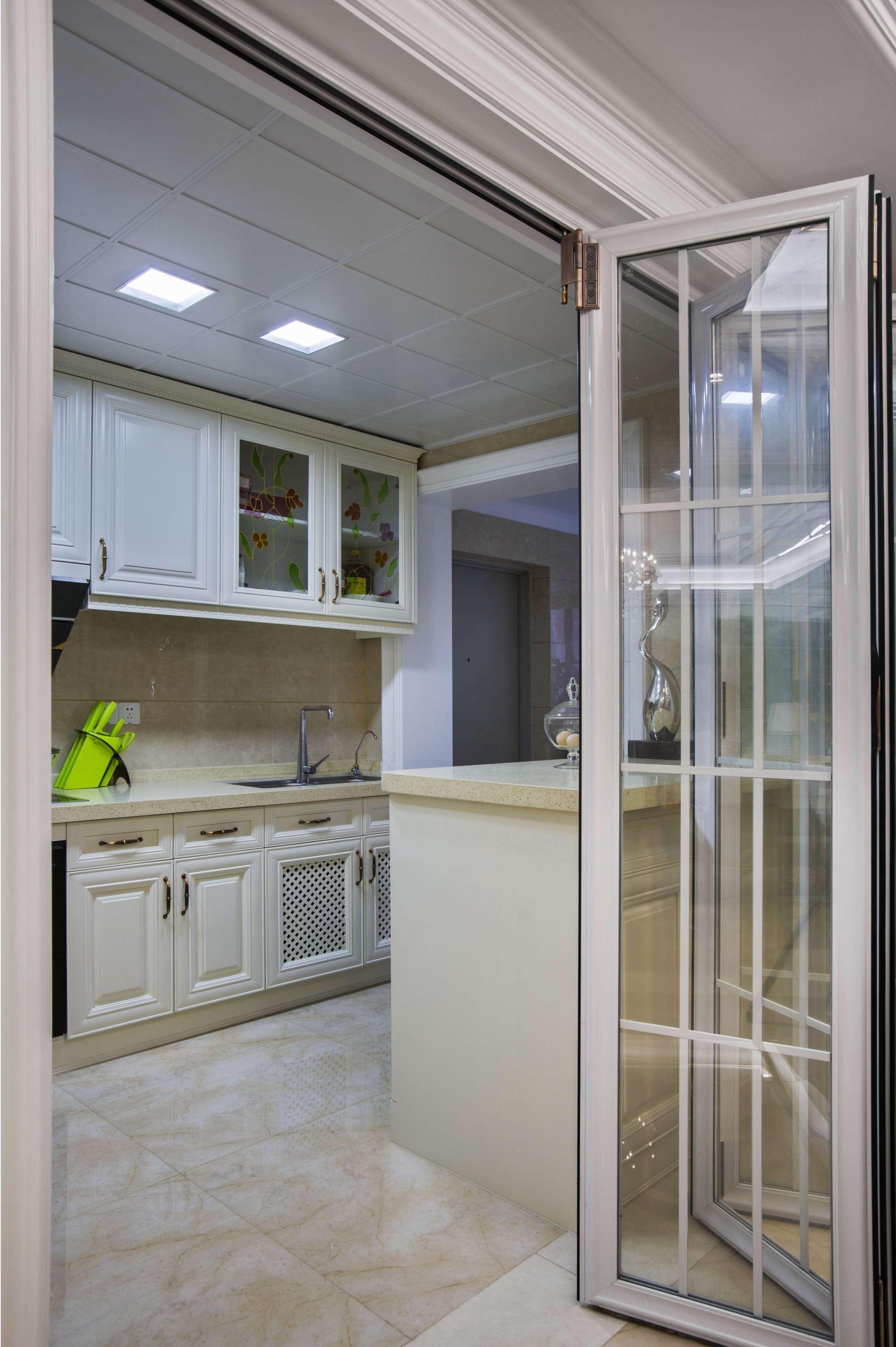 大户型新古典风格厨房装修设计图
