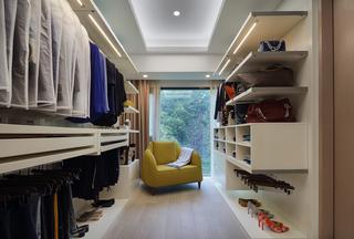 130平现代三居室衣帽间装修效果图