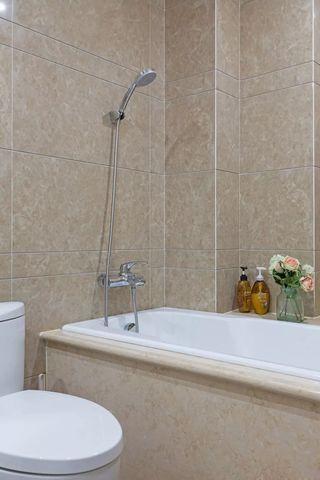120平美式三居卫生间装修设计图