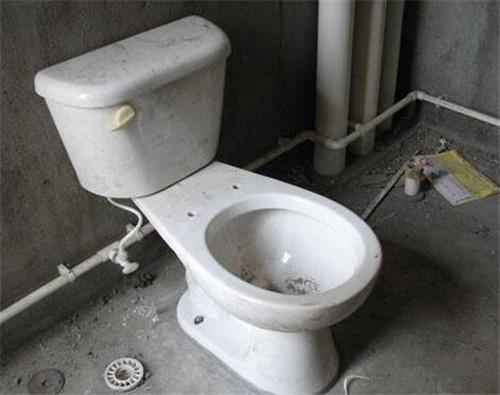 上海马桶安装漏水维修马桶防臭器安装卫生间异味维修臭