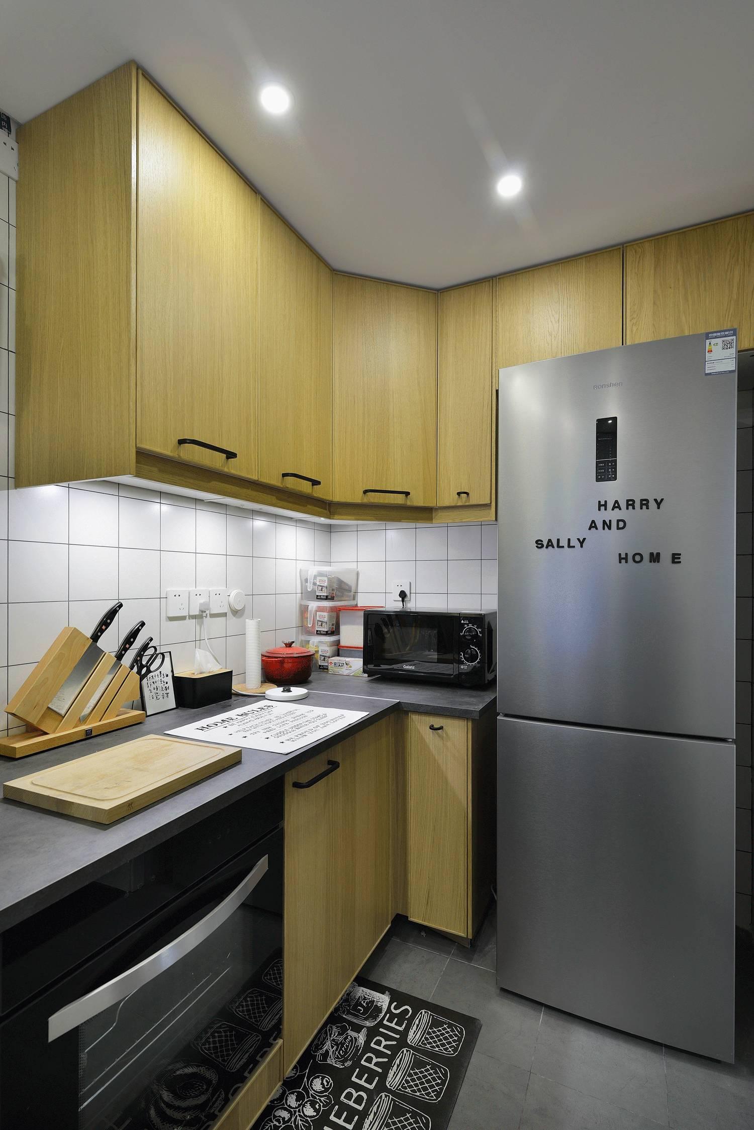 130平简约风厨房装修效果图