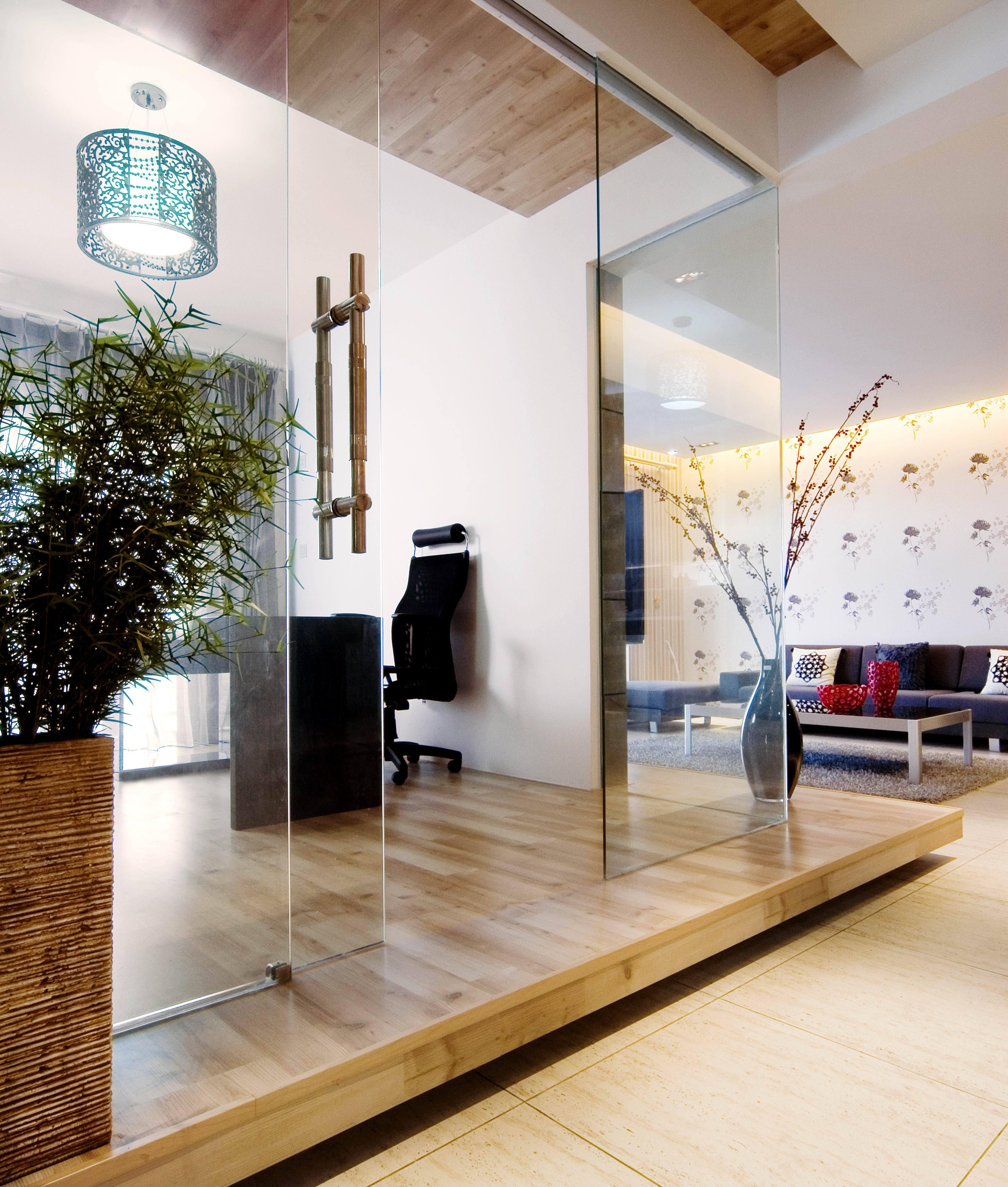 现代简约风格三居书房地台装修效果图
