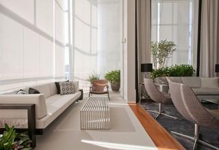 大户型现代公寓阳台装修效果图