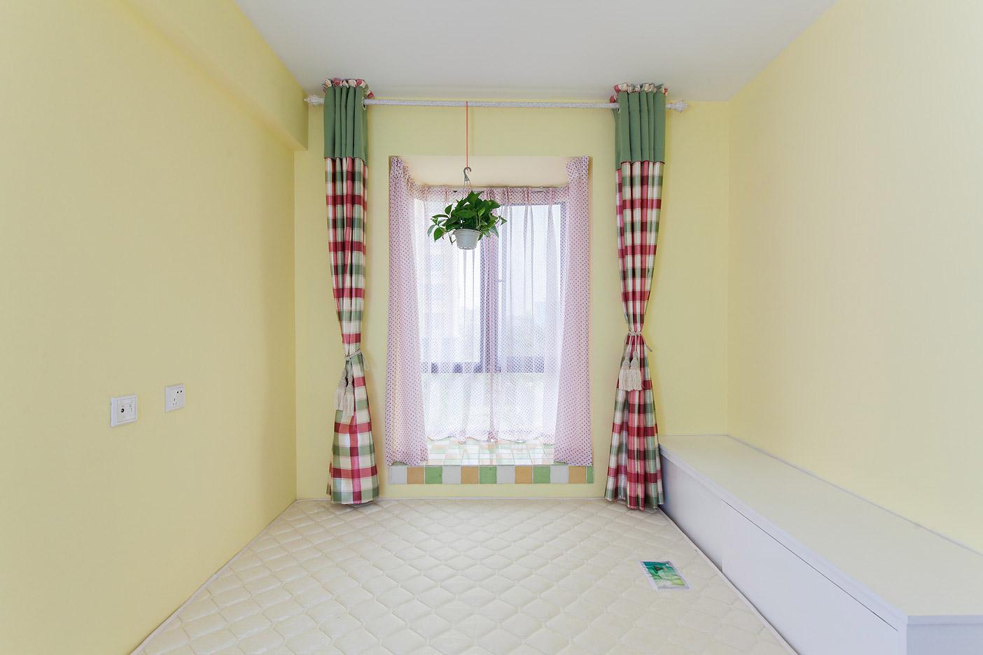 地中海风格二居卧室装修效果图