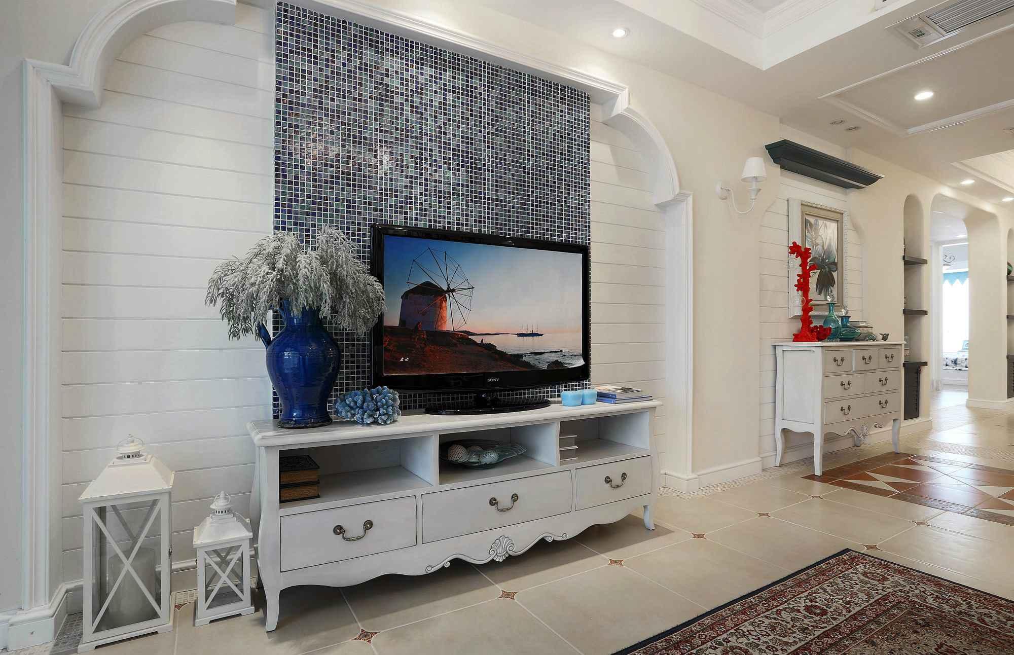 地中海风格三居电视背景墙装修效果图