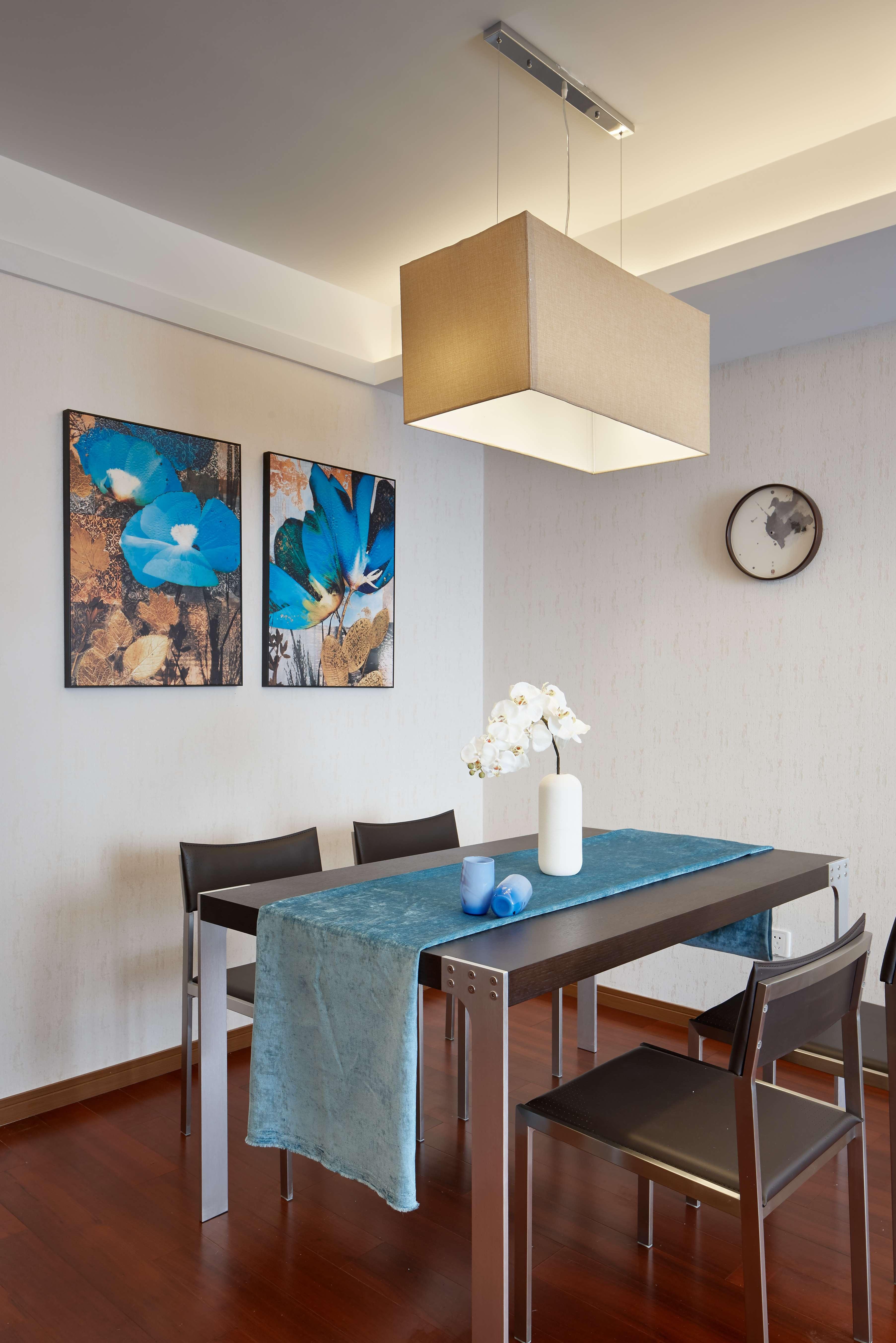 现代简中式三居餐厅装修效果图