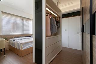 132平现代简约风卧室衣柜隔断装修效果图