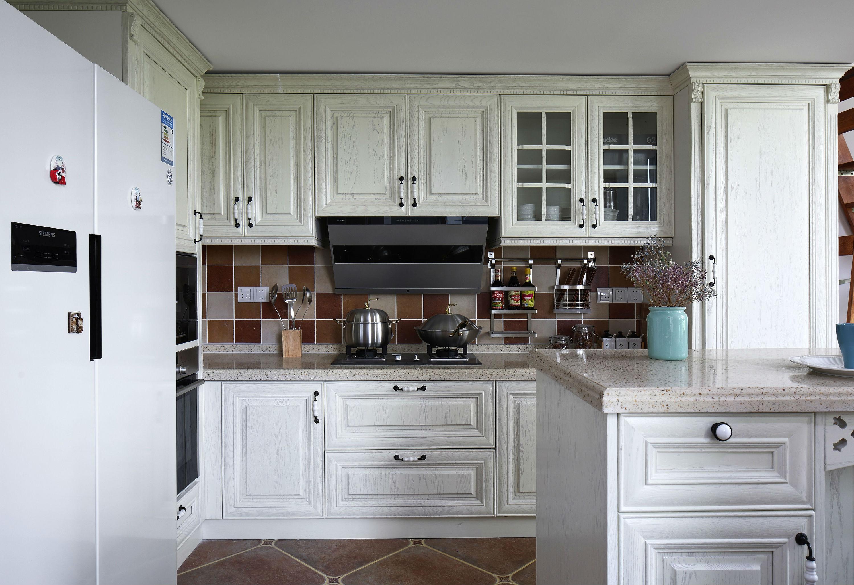 136平美式风格厨房装修效果图