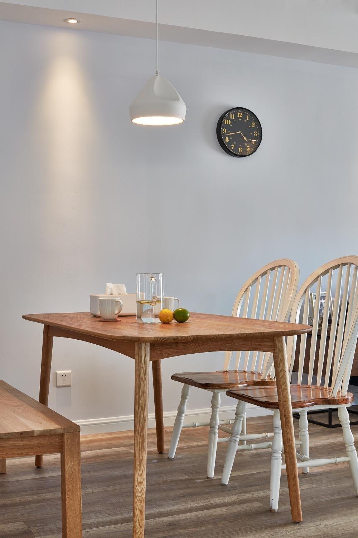 124㎡北欧风格装修餐桌设计图