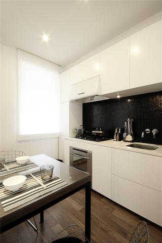 白色简约风三居厨房装修效果图