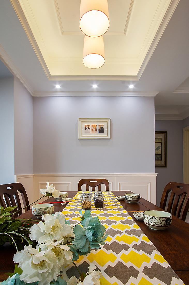 120平美式风格装修餐桌布置图