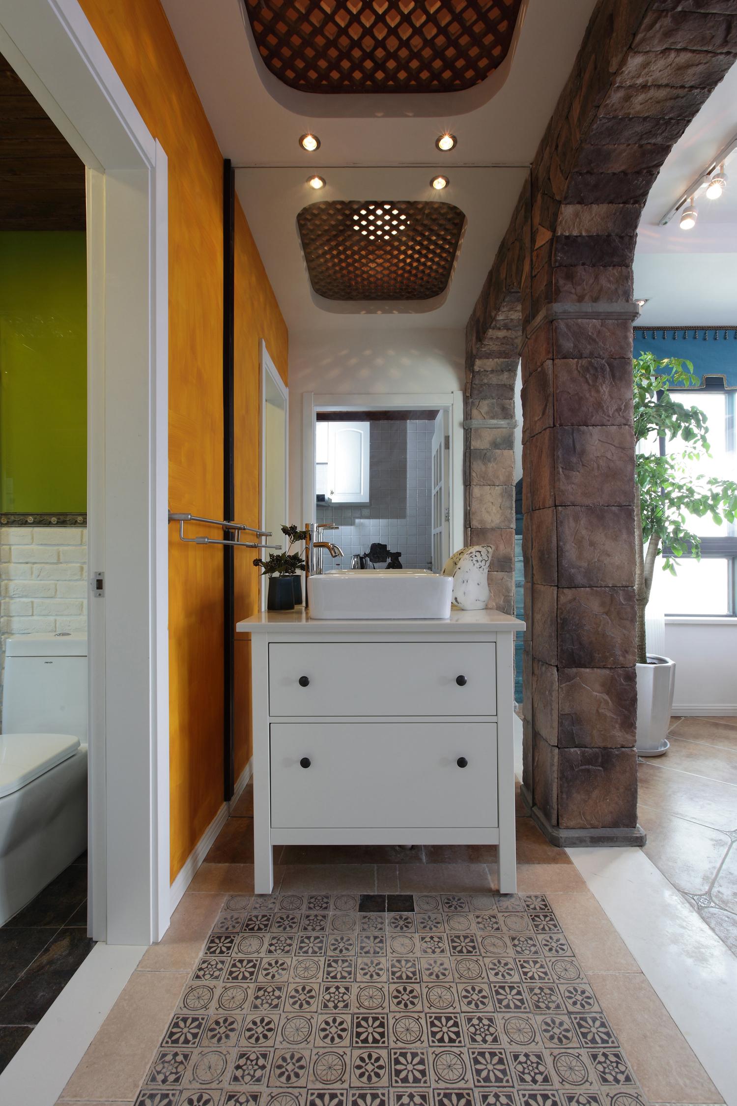混搭风格二居洗手台装修效果图
