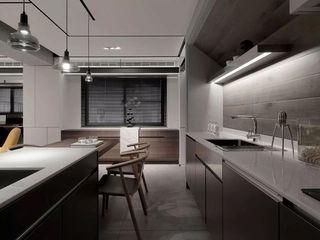 高级灰现代风格厨房装修效果图