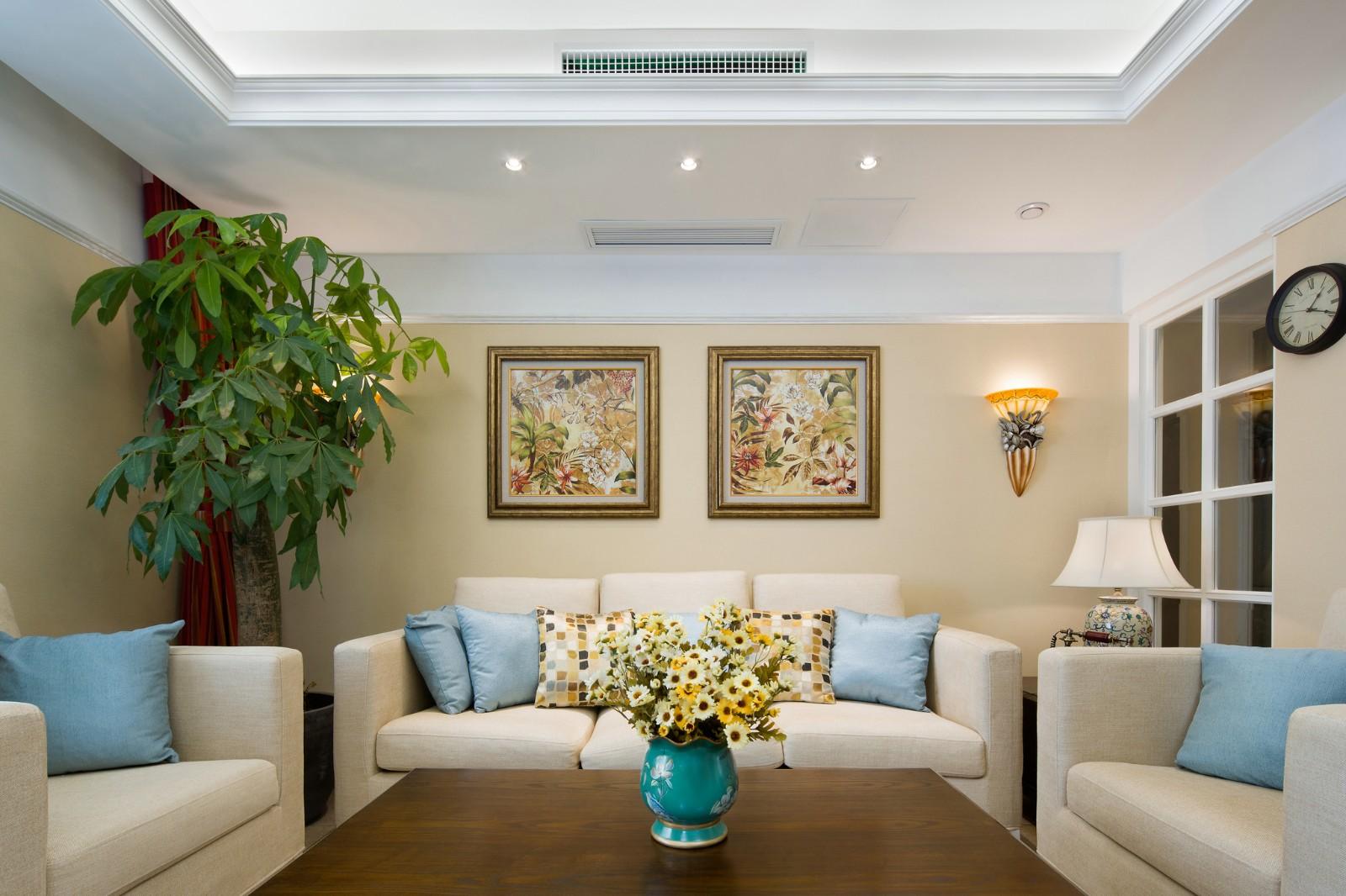 温馨美式风格三居沙发背景墙装修效果图