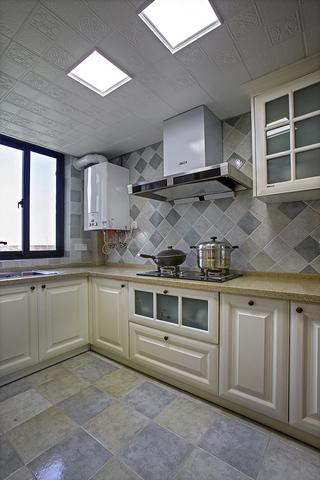 三居室美式风格厨房装修设计图