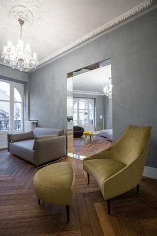 大户型极简风公寓装修黄色沙发设计图