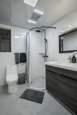 现代简约两居室卫生间装修效果图