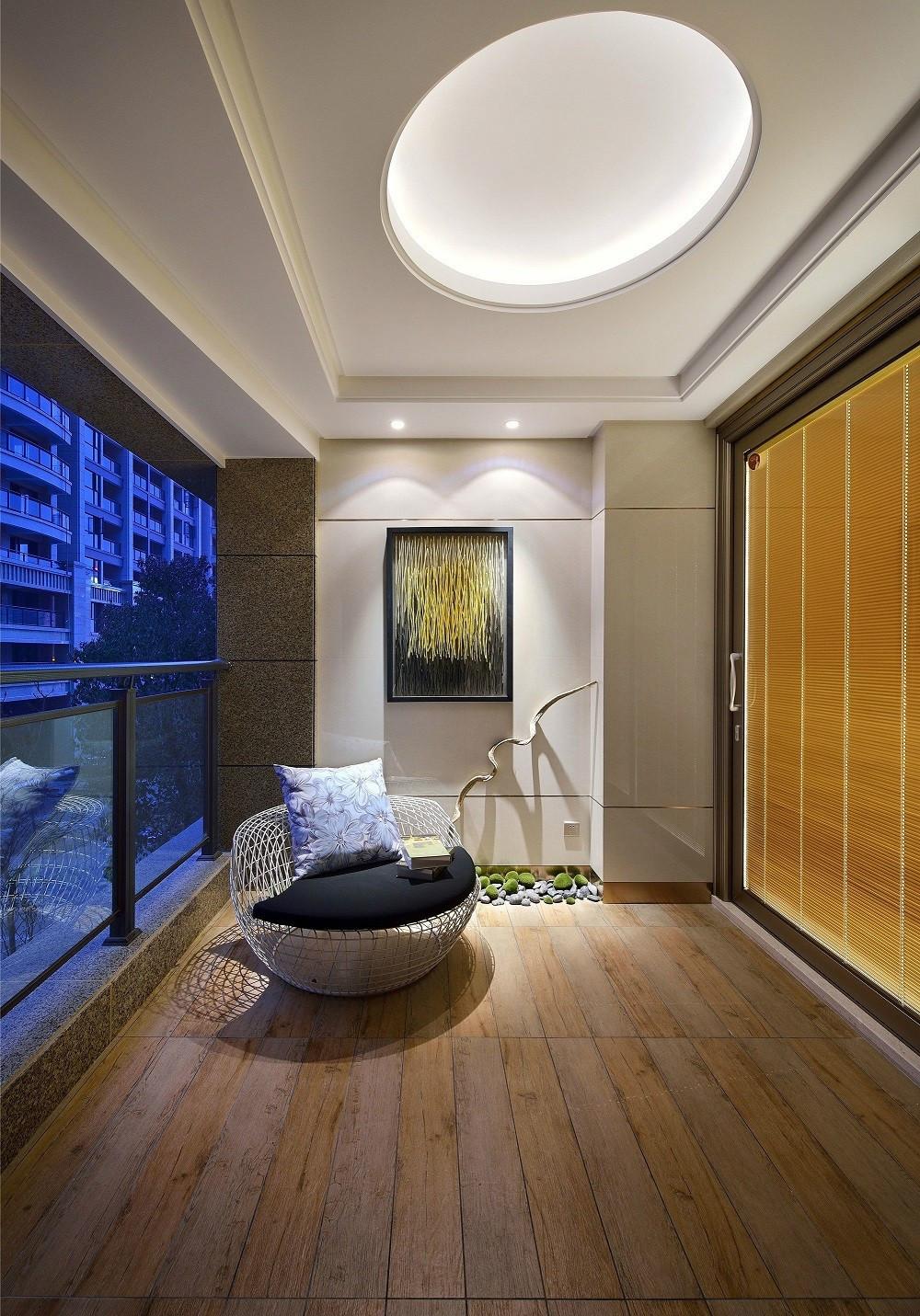新中式风格三居阳台装修效果图