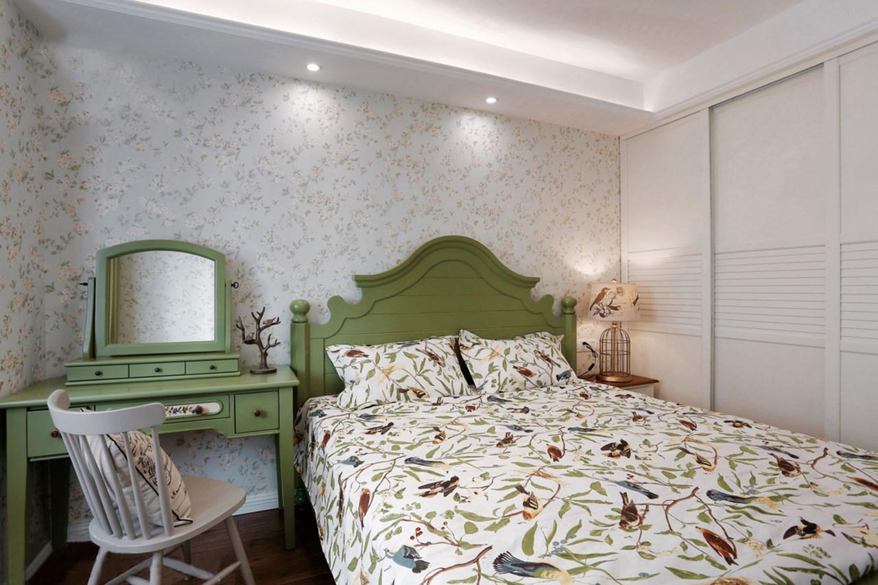 二居室简美风格卧室装修效果图