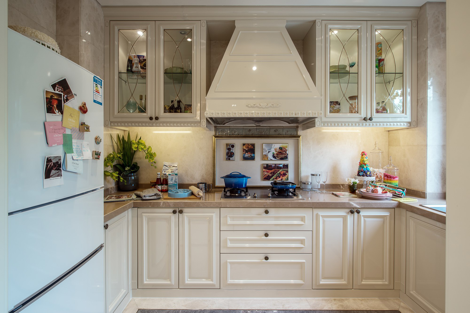 豪华美式风格别墅厨房装修效果图