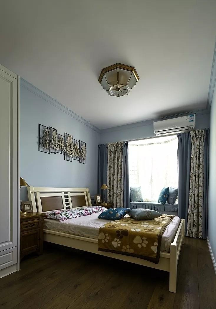 混搭风格三居卧室装修搭配图