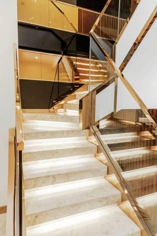 时尚混搭别墅样板间楼梯装修效果图