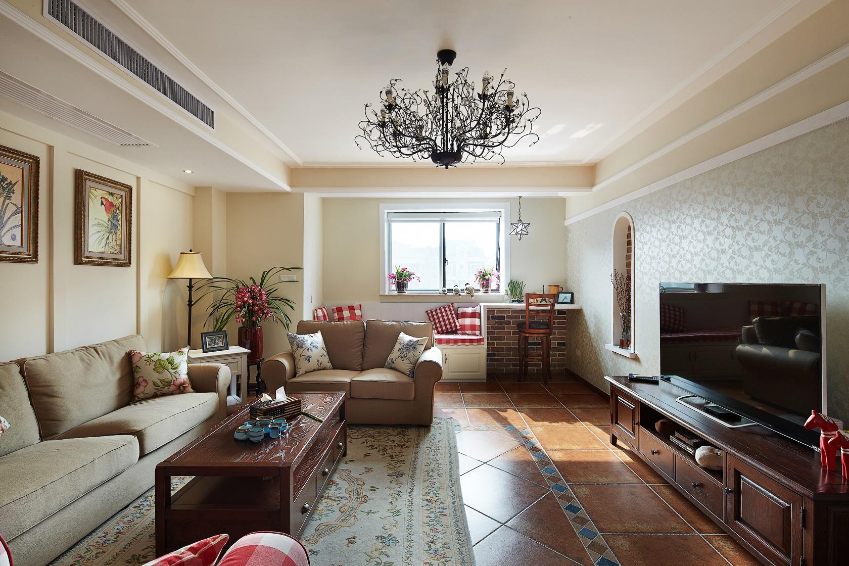 美式风格三居客厅装修设计图
