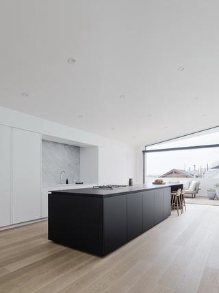 大户型极简风格厨房装修设计图