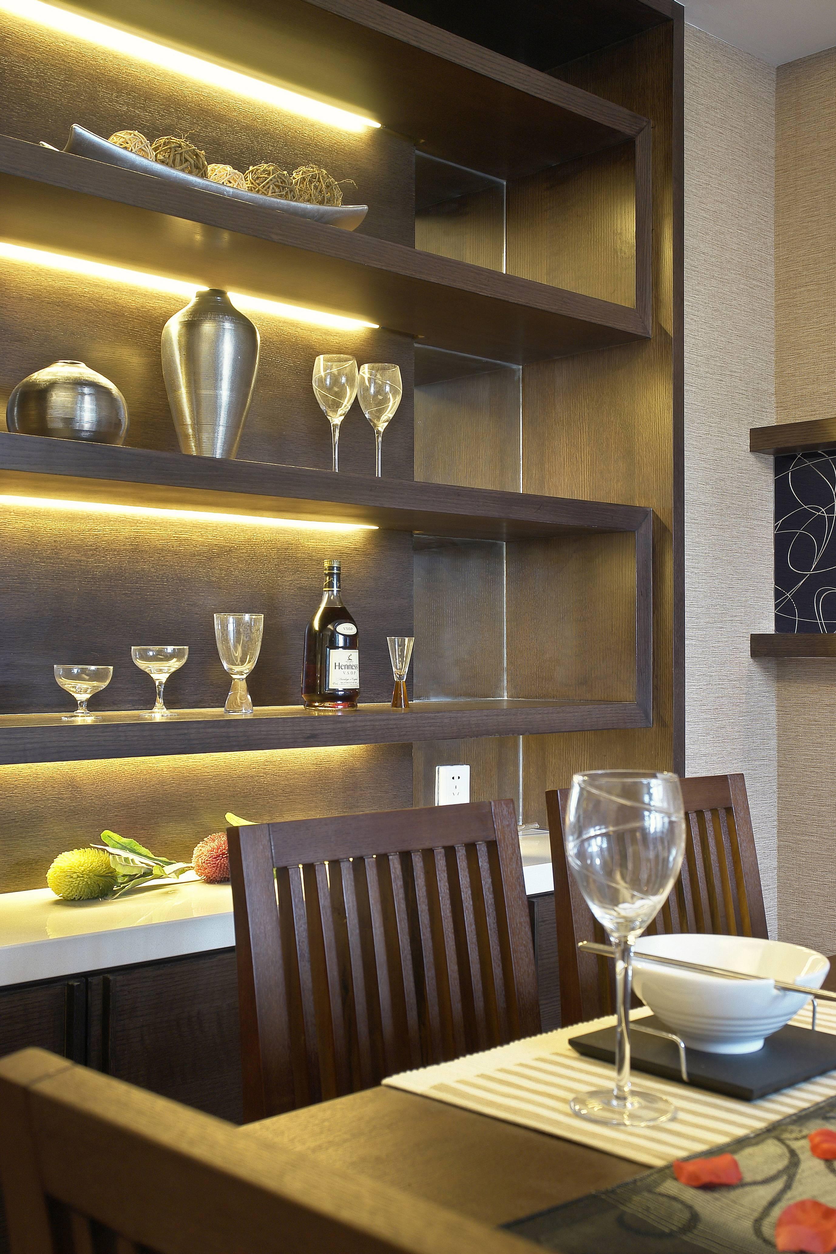 135㎡现代样板间餐厅壁柜装修效果图