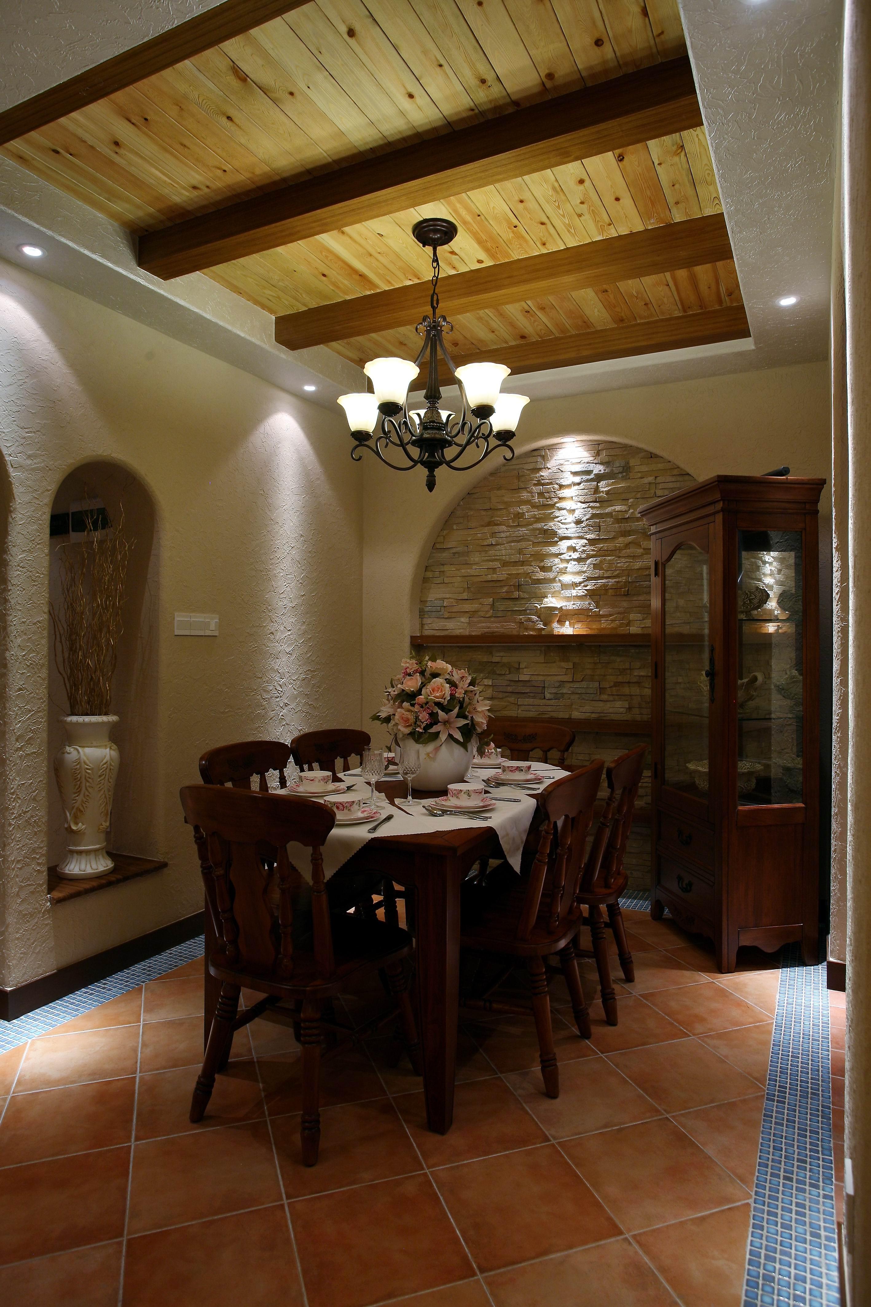 地中海混搭三居室餐厅装修效果图