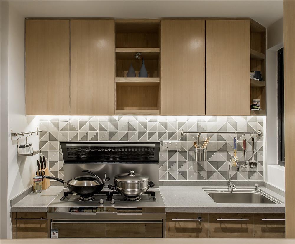 三居室日式风格厨房装修效果图