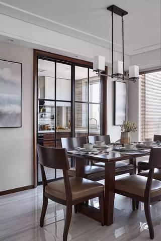 135平米三居室餐厅装修效果图
