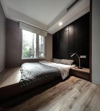 140平米现代三居榻榻米卧室装修效果图