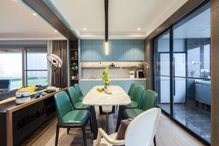 现代混搭四居室餐厅装修效果图