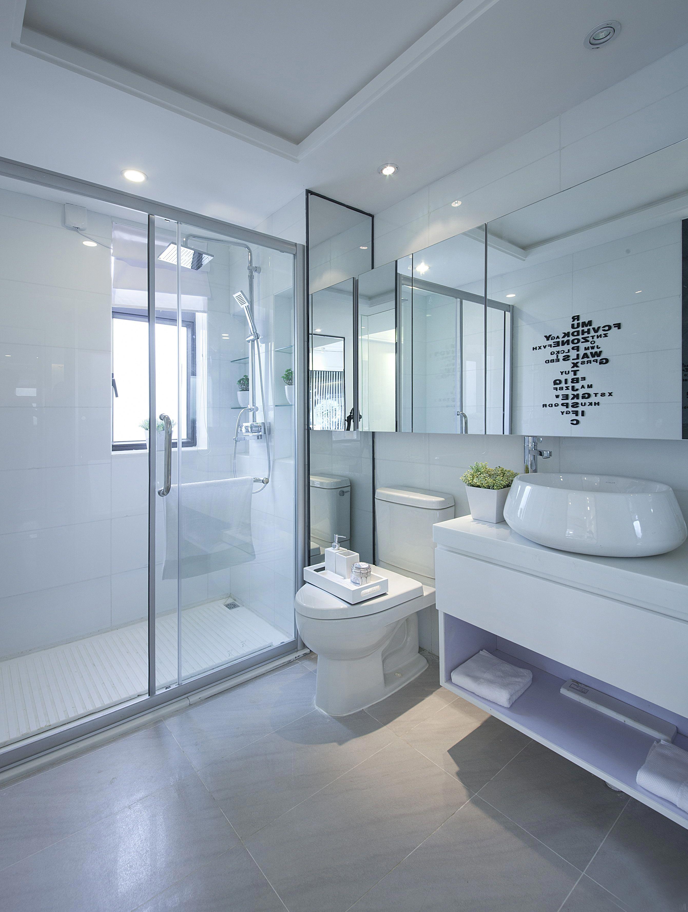 简约现代风格别墅卫生间装修效果图