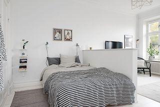40平米白色公寓卧室装修效果图