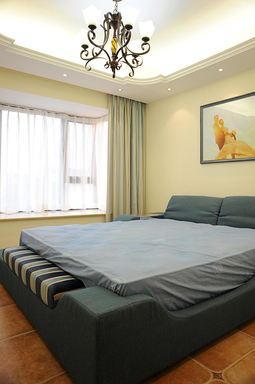三居室地中海风格卧室装修设计图