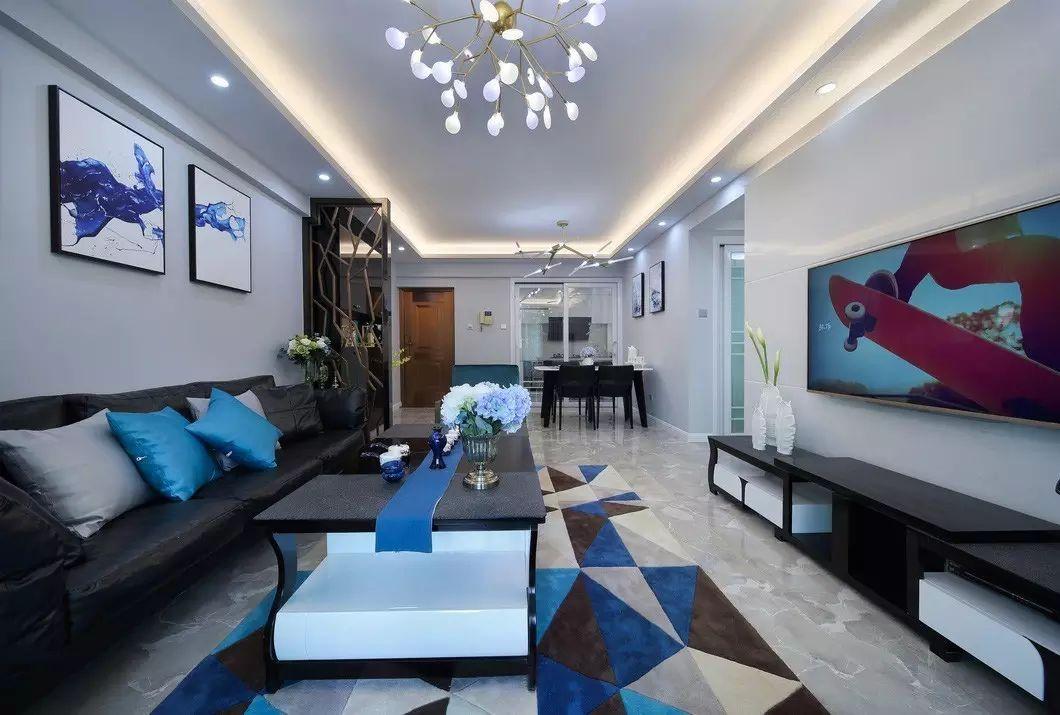 三居室现代简约客厅装修设计图