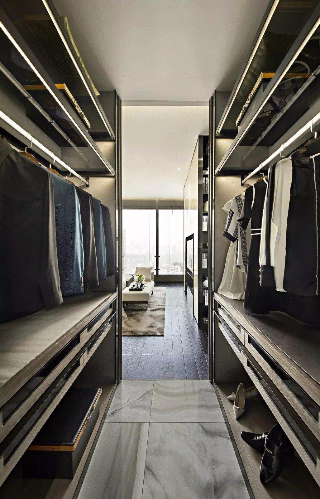 现代公寓样板房衣帽间装修效果图