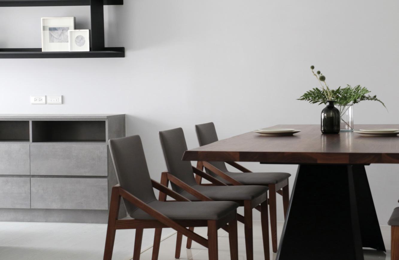 简约现代风二居装修餐桌椅设计图