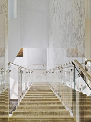 大户型豪华公寓楼梯装修效果图