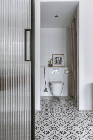 43平米一居室卫生间装修效果图