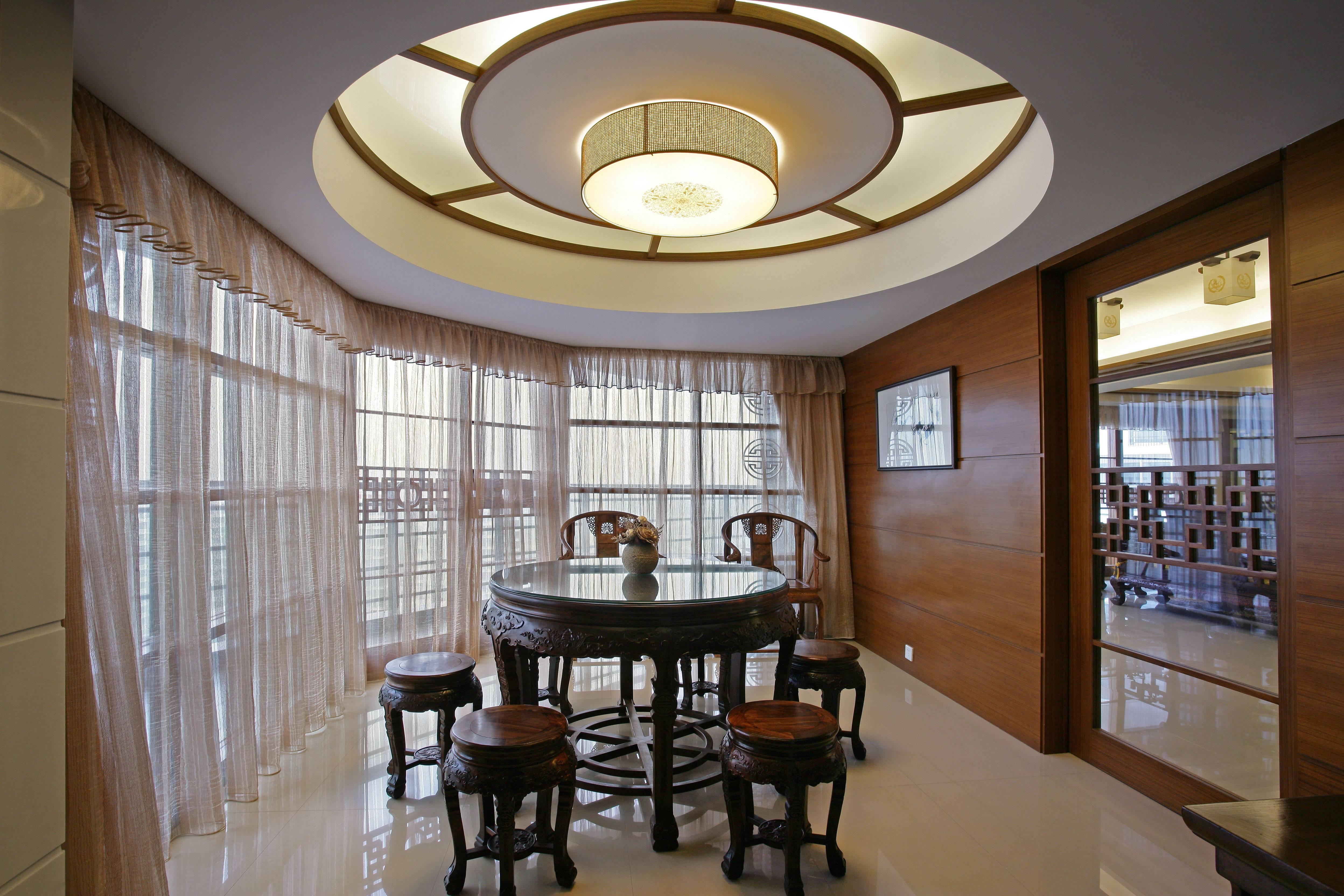 大户型中式餐厅装修效果图