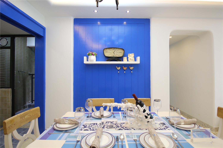地中海风三居室餐厅背景墙装修效果图