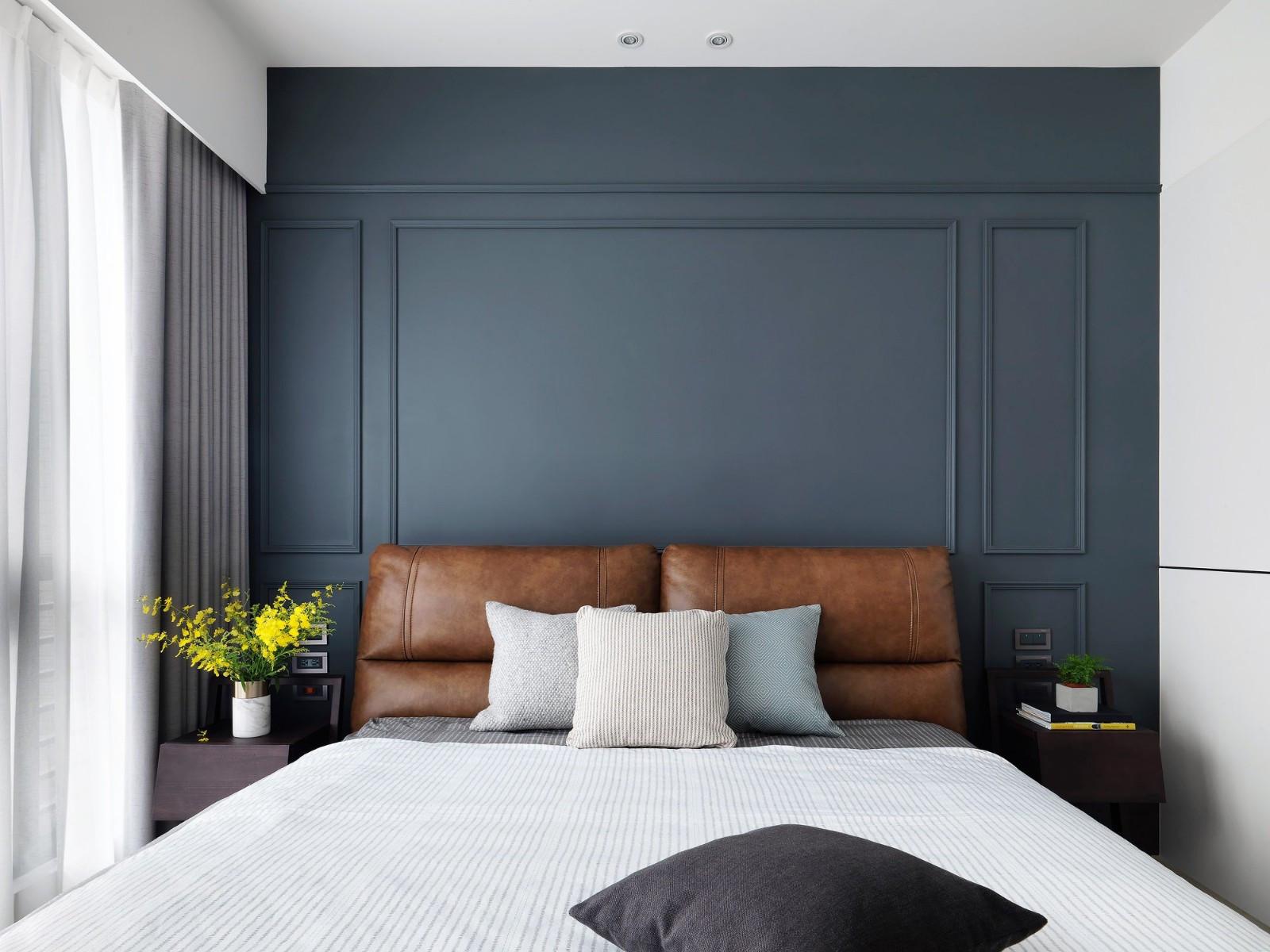 现代简约风格三居卧室背景墙装修效果图