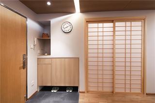 日式风三居室玄关装修效果图