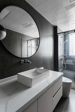 170平现代简约卫生间装修效果图