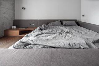 82平工业风卧室装修效果图